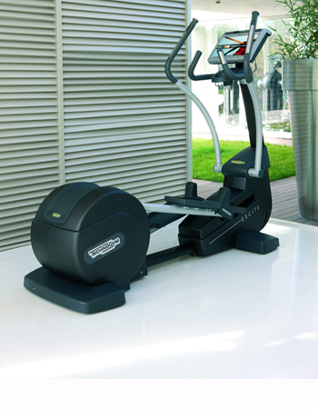 Technogym Synchro 700 VISIOWEB Elliptical Cross Trainer