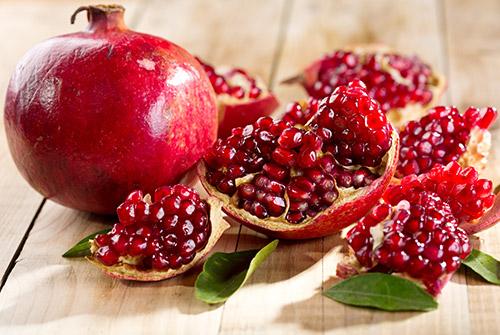 10 Amazing Benefits of Pomegranate